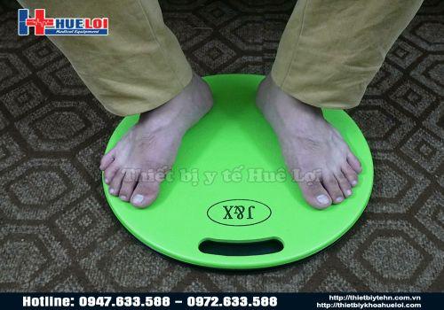 Đĩa xoay chân hỗ trợ dịch chuyển bệnh nhân tai biến